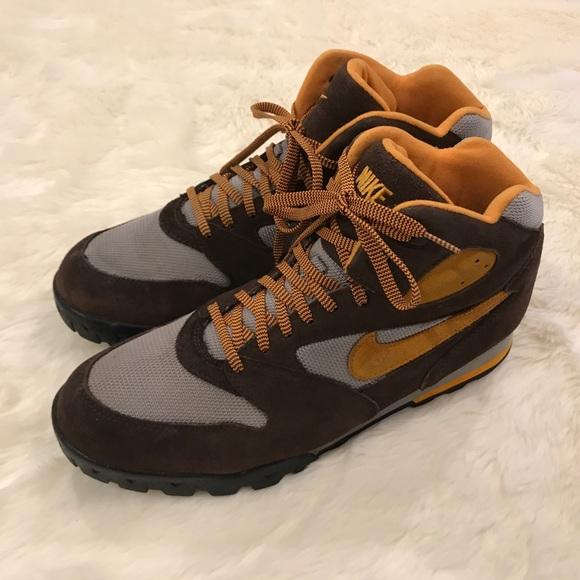nike hiking boots 90s